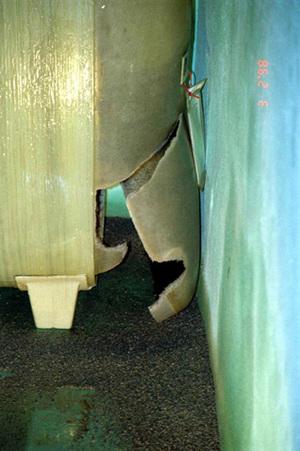 GFK-Tank durch Überdruck gerissen